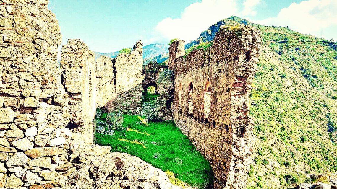 castello dell'amendolea condofuri (RC)